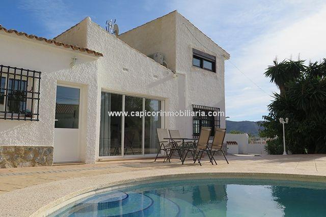 4 Bedroom Villa for Sale in Alfaz del Pi