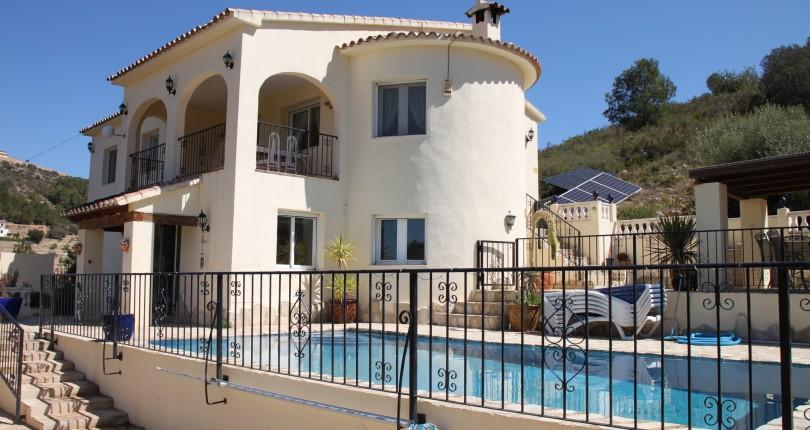 5 Bedroom Villa for Sale in Lliber
