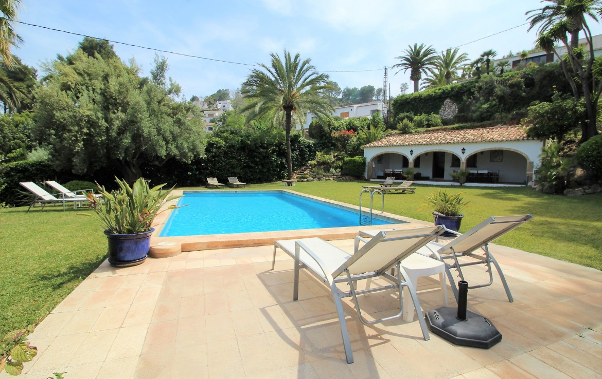 5 Bedroom Villa for Holiday Rent in Javea Tosalet