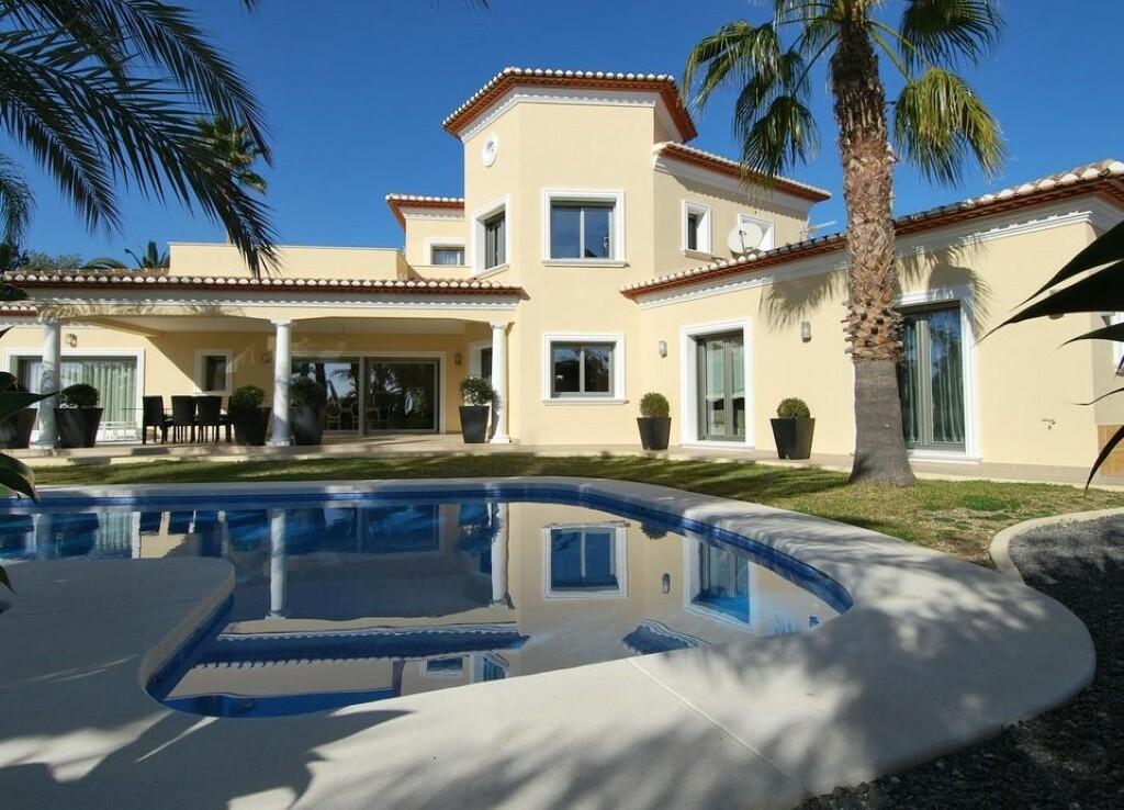 Sea view villa for sale in Buenavista in Benissa