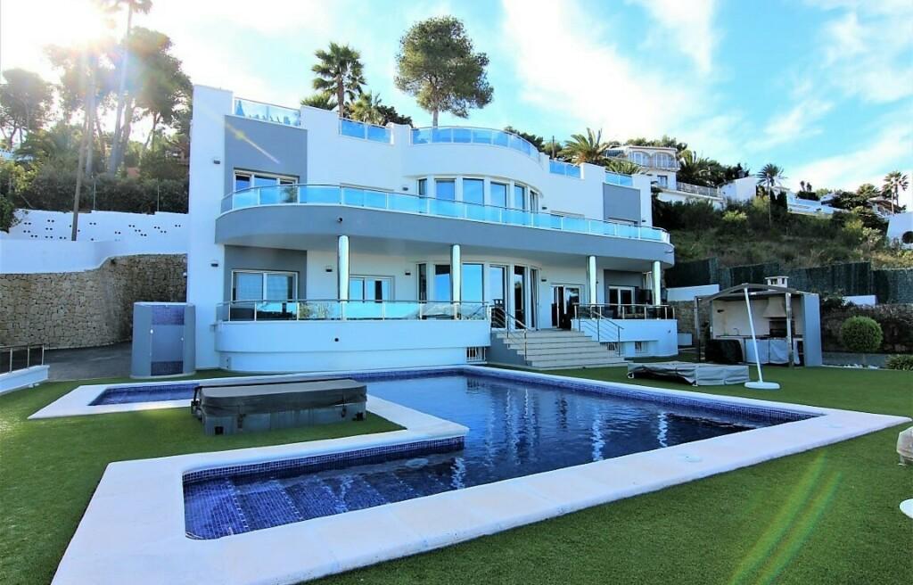 Sea view villa for sale in Cap Marti in Javea