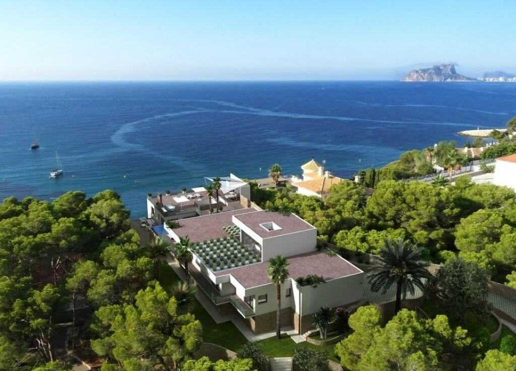 Sea view villa for sale in El Portet in Moraira
