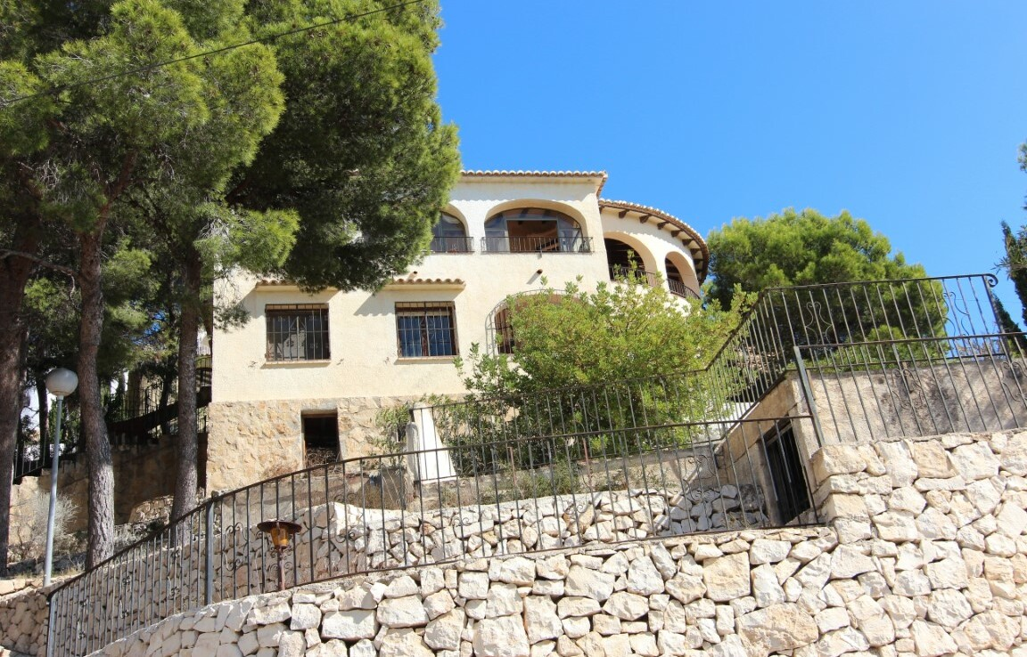 Sea view villa for sale in Montemar Benissa