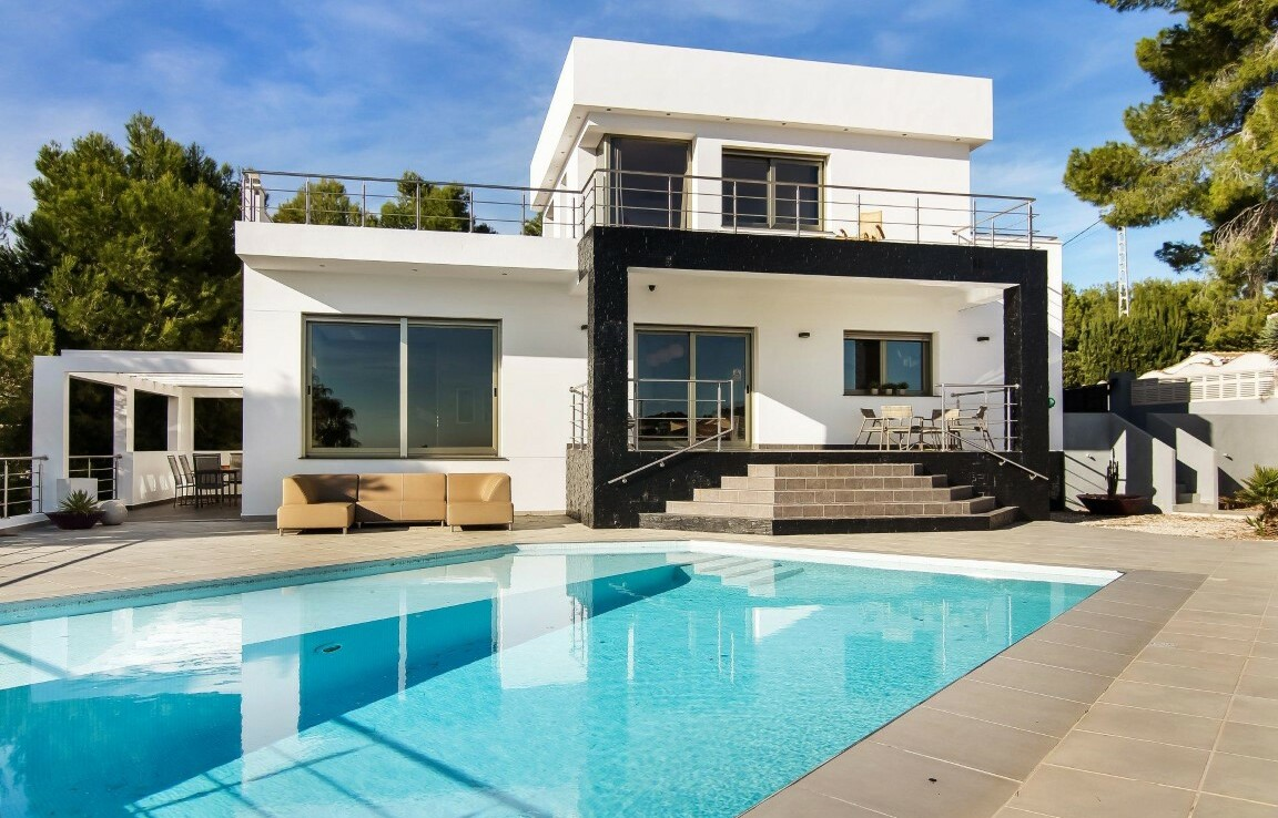 Sea view villa for sale in Montemar in Benissa