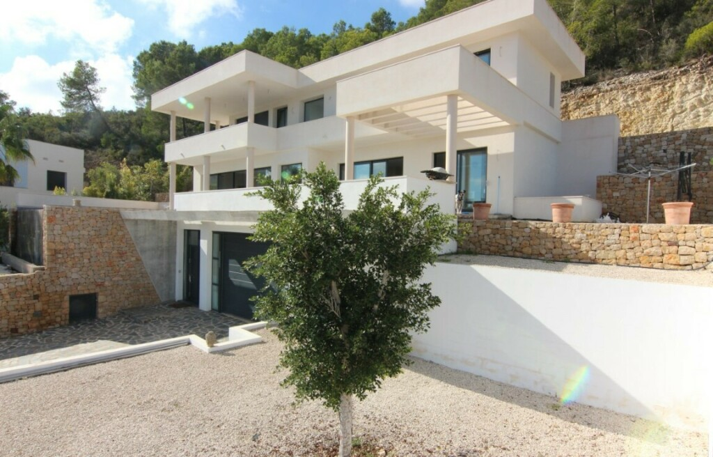 Sea view villa for sale in Tosalet in Javea