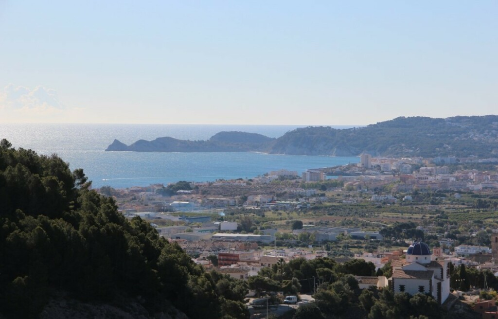 Beautiful building plot of over 1700m2 for sale in Javea