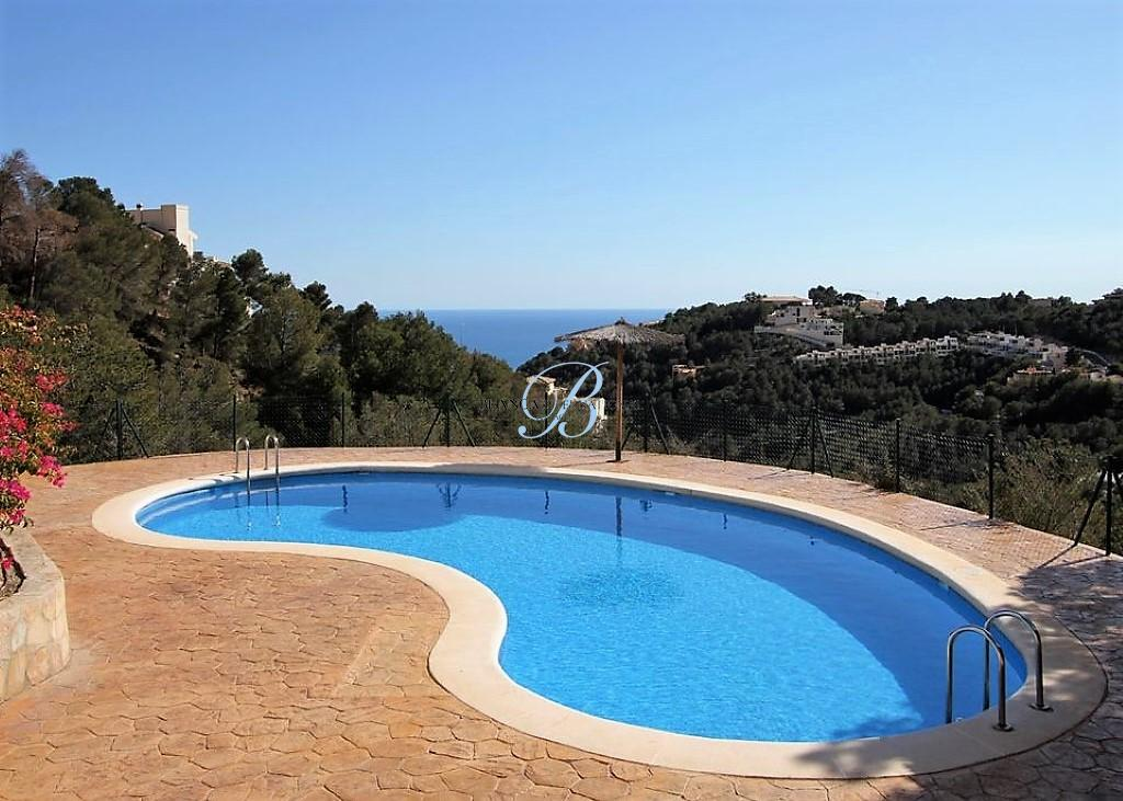 Beautiful spacious apartment for sale in Altea Hills 210k