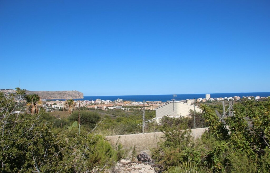 Building plot with sea views for sale in Adsubia in Javea